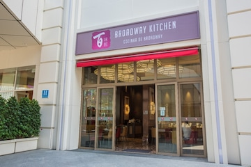 BROADWAY KITCHEN
